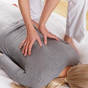 Illustration of a shiatsu massage session
